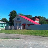 Горбатов. Домик возле церкви. Копирует местную архитектуру деревянных домов., Горбатов