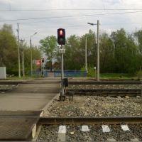 пешеходный светофор через жд пути (07.05.2012), Горбатовка