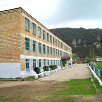 Маджалисская средняя школа    (Исм.Альберт), Маджалис