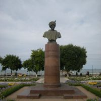 Памятник великому лезгинскому поэту Сулейману Стальскому (СтIал Сулейман). The monument to the great Lezghin poet Suleiman Stalsky., Махачкала