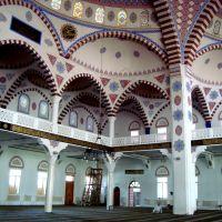 Внутри Джума мечети, Махачкала