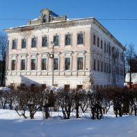 Пустующее здание самой старой школы в г.Родники, Родники