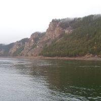 Скалы напротив поселка Алексеевск, Алексеевск