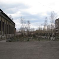School #2 courtyard, facing east, Вихоревка
