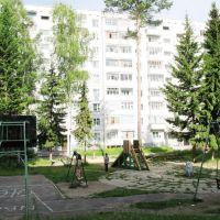 Двор по Героев Труда 35, Усть-Илимск