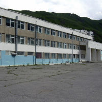 Тырныауз. Средняя школа № 6, Тырныауз