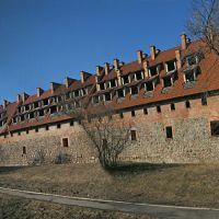 форбург замка Прёйсиш-Эйлау (нижняя часть этой стены сохранилась с 1325 г.), Багратионовск