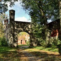 Ворота замка Гердауэн / Gate to castle Gerdauen, Железнодорожный