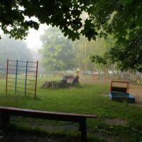 Игровая площадка детского сада рано утром, Знаменск