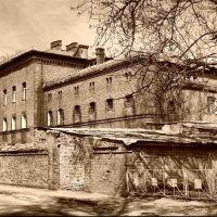 Бывшая тюрьма. 2009 г.., Нестеров