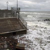 Конец сентября 2009 года в Светлогорске. Пляж возле променада полностью размыт., Светлогорск
