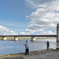 Рыбаки и мост Королевы Луизы в Советске., Советск