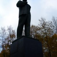 Statue of Lenin in Ostashkov, Осташков