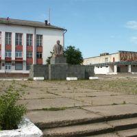 Рамешки, площадь перед зданием Администрации, Рамешки