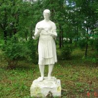 Сонково, колхозица (статуя), Сонково