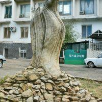 Скульптурная композиция «Тюльпан-верблюд», Элиста