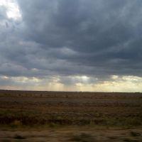 Снимок из окна авто на ходу, лучистая туча )., Юста