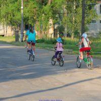 Юные велосипедистки (12.06.2011), Еленский