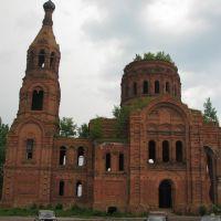 Церковь в Ульяново. Даже сейчас поражает своей красотой., Ульяново