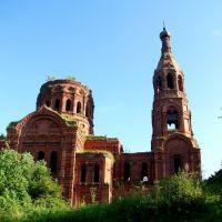 Воскресенская церковь (сзади), Ульяново