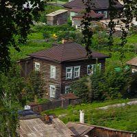 [авг13 ф-77] скатившиеся кирпичи после 19-06-2013 (Гурьевск), Гурьевск