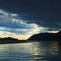 Гроза над плёсом перед плотиной Крапивинской ГЭС. Thunder-storm over a reach before a dam of Krapivinsky HYDROELECTRIC POWER STATION., Крапивинский