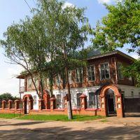Переобустроенный старый дом у церкви, Кирово-Чепецк