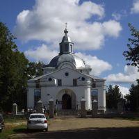 Црковь Спаса Нерукотворного, 1738-1745 г., главный вход, Кумены