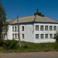 Санчурск. Здание бывшей школы (ныне - медучилища), Санчурск