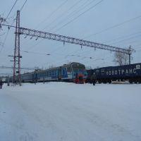 Электропоезд переменного тока ЭД9М Киров-Балезино прибыл на станцию Фаленки, Фаленки