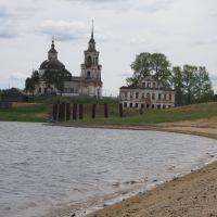 Церковь Святителя Дмитрия Ростовского (вид с плотины Кажымского водохранилища), Кажым