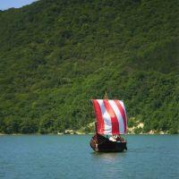 Озеро Абрау. Ладья, Абрау-Дюрсо
