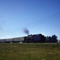 Пригородный поезд направляется к ст.Курганная.1983г., Мостовской