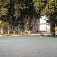 Площадь перед домом культуры, Северская
