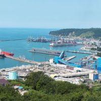 Вид на порт и город Туапсе со Звёздной, Туапсе