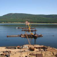 Здесь строит мост Мостоотряд125через реку Ангару, Абакан