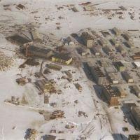 Вид поселка с вертушки (май месяц)., Диксон