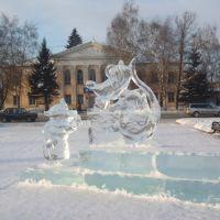 на площади, Назарово