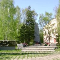 Обелиск павшим в войнах ул.Ленина, Катайск