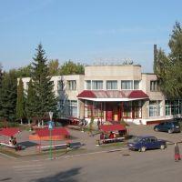 площадь фонтанов, Лев Толстой