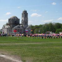 Строящаяся церковь и 9 Мая, Усмань