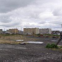 Вид на общежитие СЭГРЭ. п.Эвенск, сентябрь 2006 г. Фото В.Лахненко, Эвенск