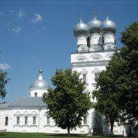 Собор Архангела Михаила, вид с площади, Бронницы