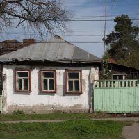 Дмитров - город контрастов... (домик в самом центре), Дмитров