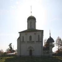 Успенский собор что на Городке (1396—1399) является наиболее древним из сохранившихся храмов Москвы и области, Звенигород