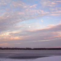 Луна в вихре заката (озеро Святое зимой), Керва