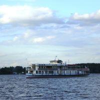"""Теплоход """"Максим Горький"""" построен в 1934 году в Н. Новгороде по указанию И.В. Сталина, Клязьма"""