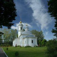 Церковь Богоявления Господня, Красный Ткач