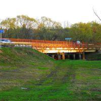 мост НА ЗАКАТЕ, Красный Ткач
