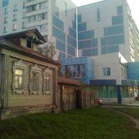 ул. Большая Московская.  Архитектурный контраст ..., Купавна